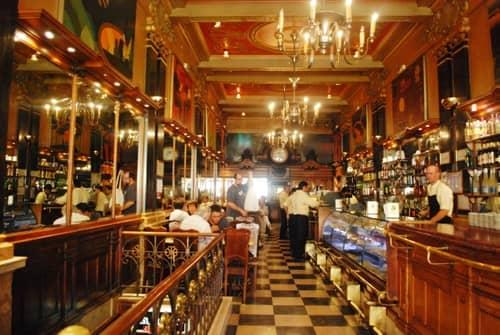 interior-cafe-brasileira